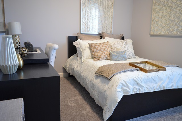 We begin and end every day of our lives in our bedrooms. Whether we have a traditional bedroom set up or if we live in a studio apartment. Keeping the area around our bed clutter-free and clean is important. The article describes how to declutter bedroom, the systematic ways.