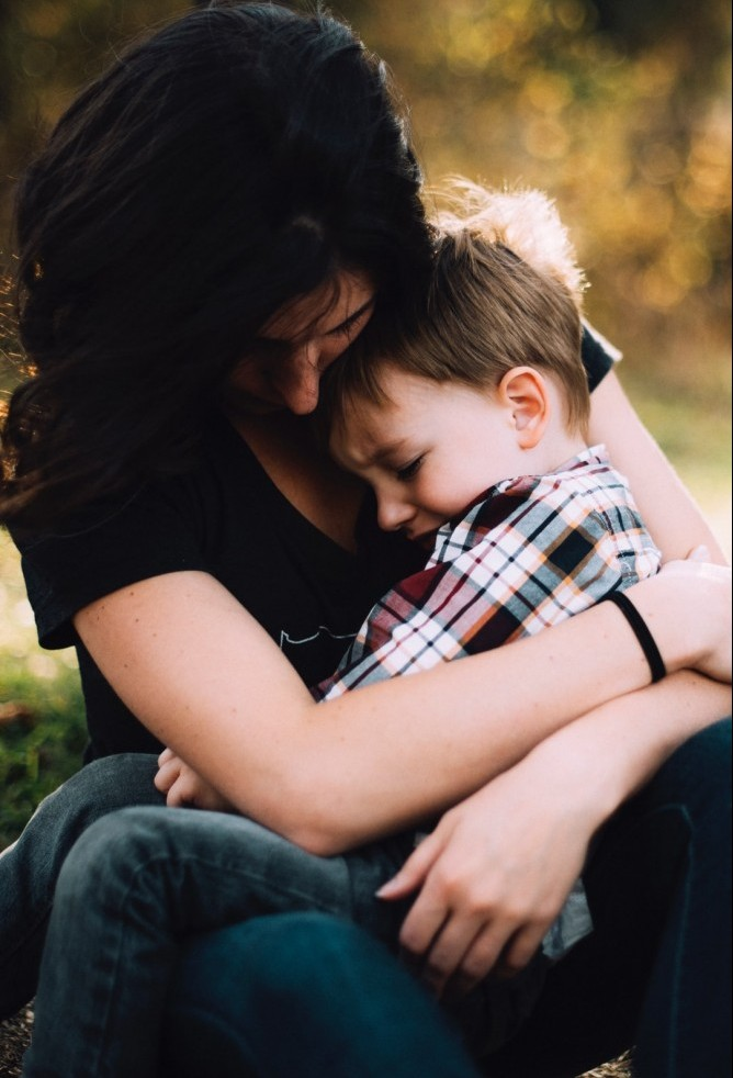 Show your friends and family that you love them by touching them affectionately. You may want to hug your sibling, throw an arm around a friend or cuddle up with your children. It increases the oxytocin and decreases cortisol levels in your body.
