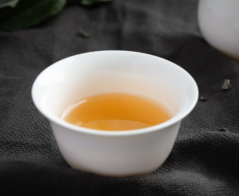 Drinking this type of tea day after day will do wonders for your skin. Among the different juice types, it is high in polyphenols. It serves as an anti-inflammatory for the skin. Best diet for skin