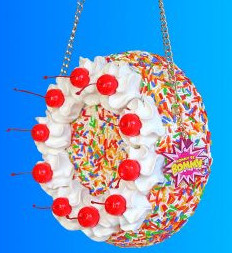 What Purses Are In Style 2021: Novelty Purse Example: Cake Purse