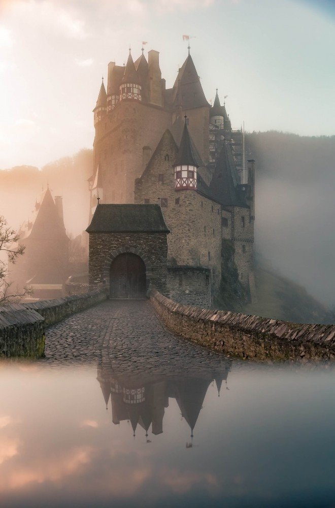 Misty Castle Prompt