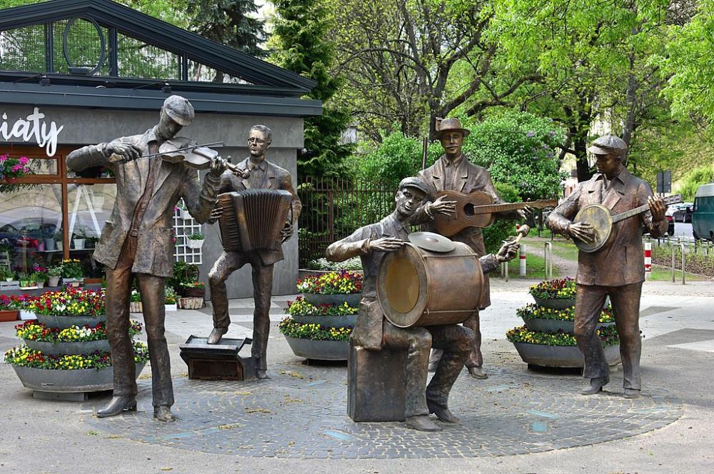 Praga Orchestra Monument Warsaw