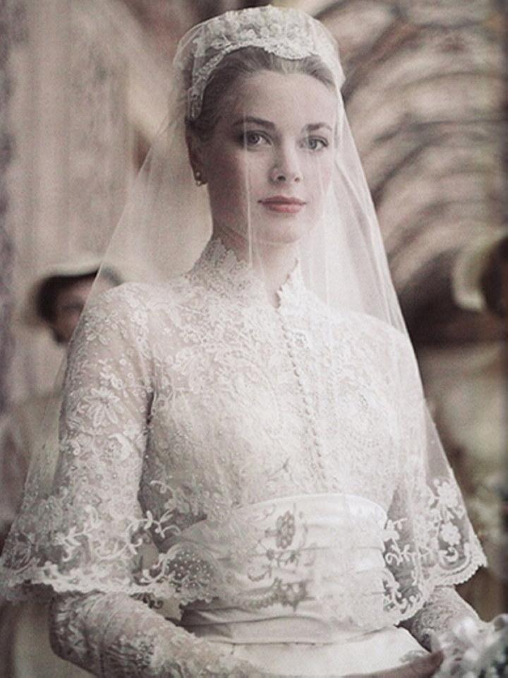 Iconic wedding dresses : Grace Kelly | The Wedding Secret Magazine