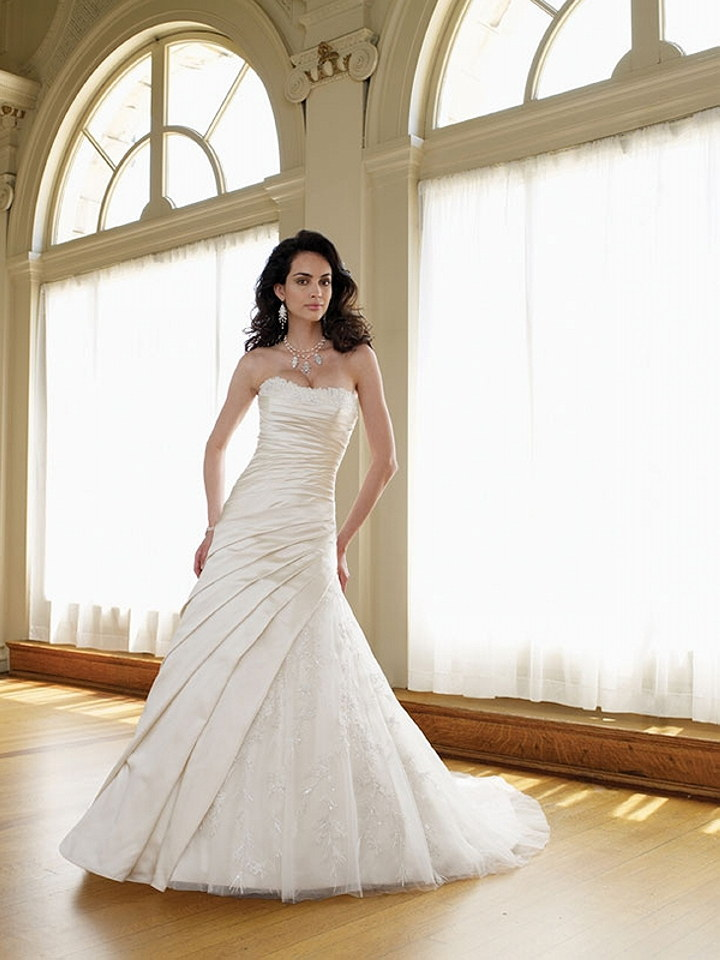 Featured Wedding Dress Designer : Mon Cheri Bridal | The Wedding ...