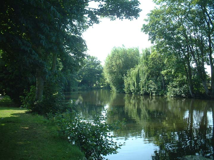River Wensum. Dragon Hall.