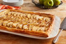 Wewalka - Fall Harvest Apple Sheet Cake