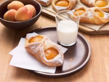 Wewalka - Puffy Apricot Danishes