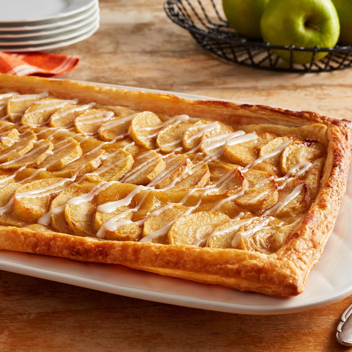 Wewalka Recipe - Fall Harvest Apple Sheet Cake