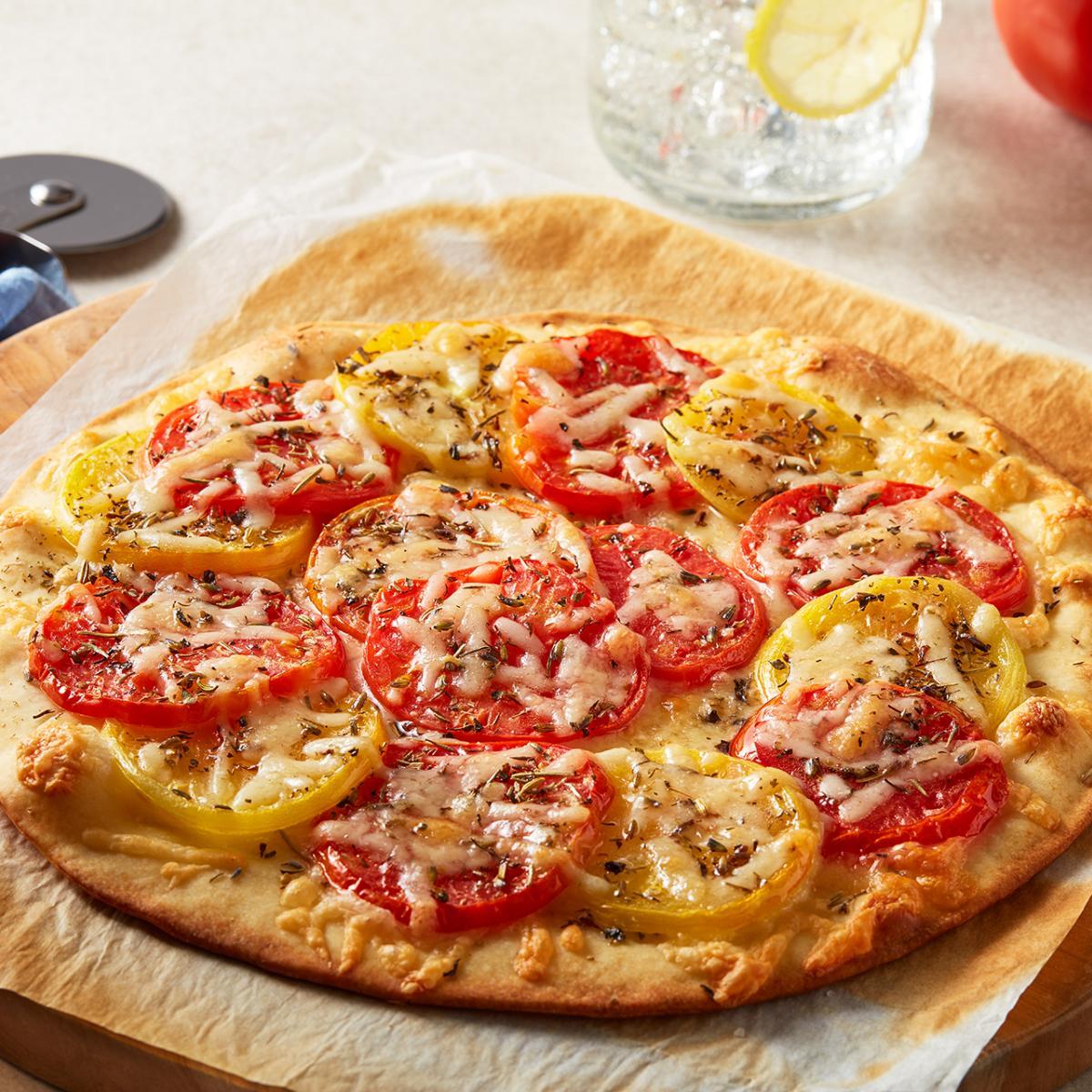 Wewalka Recipe - Fresh Tomato & Gruyere Wheel