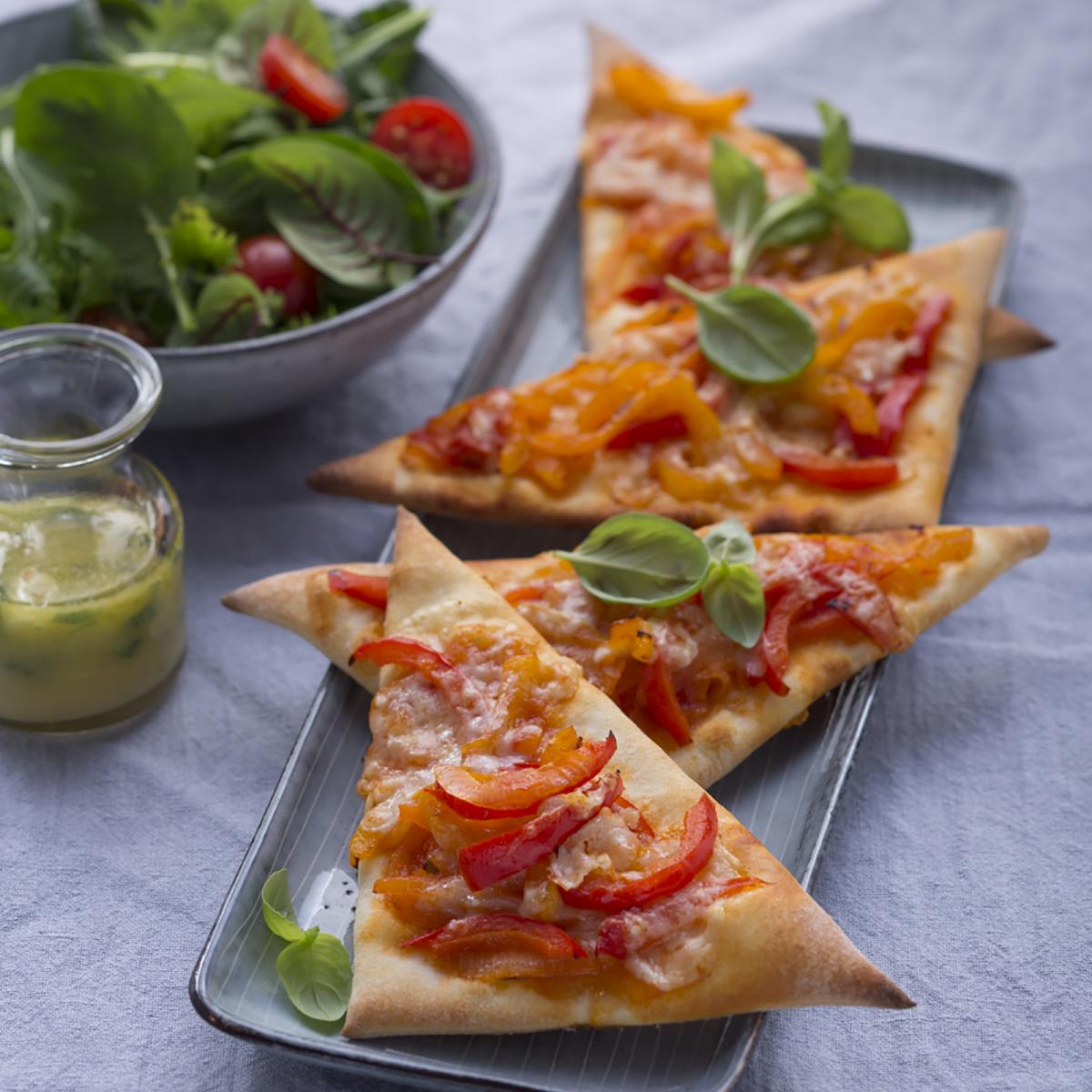 Wewalka Recipe - Pizza Triangles