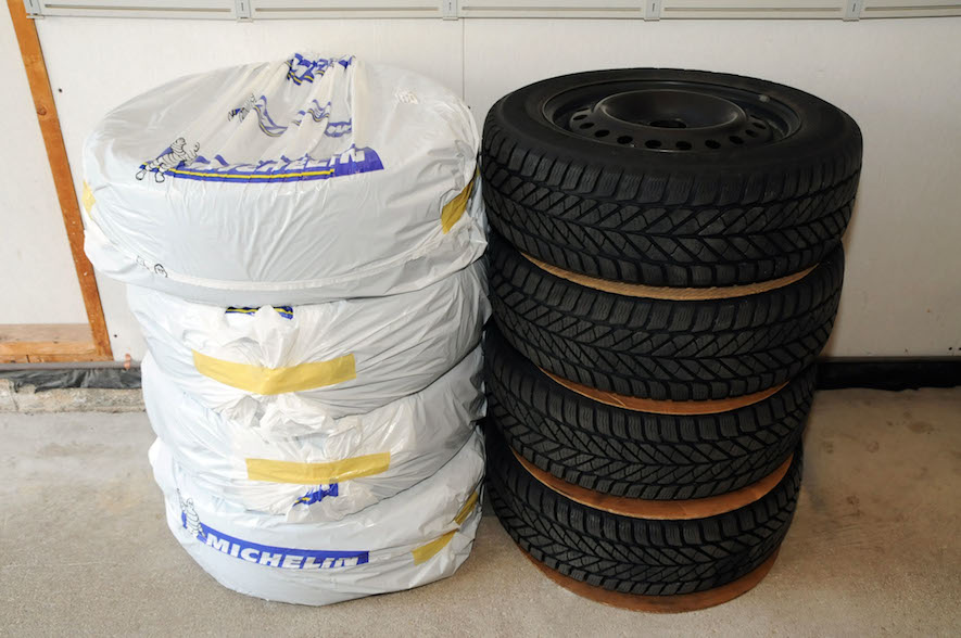 1118610c6828 tires stacked on top of each other for winter tire storage