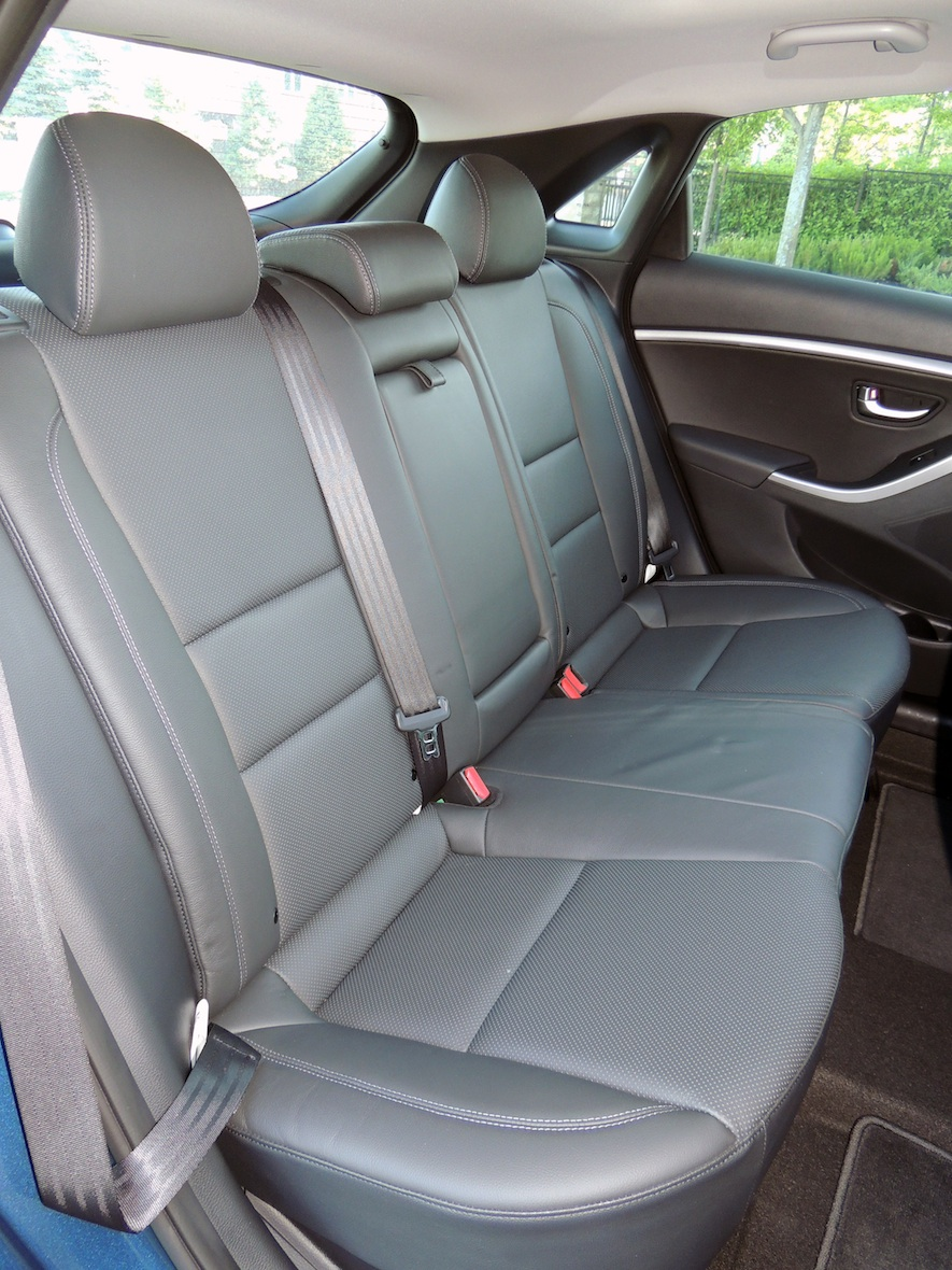 Hyundai Elantra: Seats