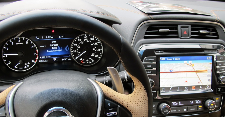 2016 Nissan Maxima touchscreen