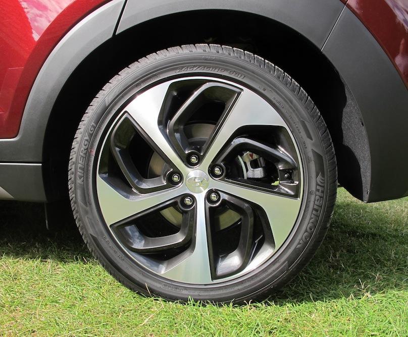 2016 Hyundai Tucson wheels