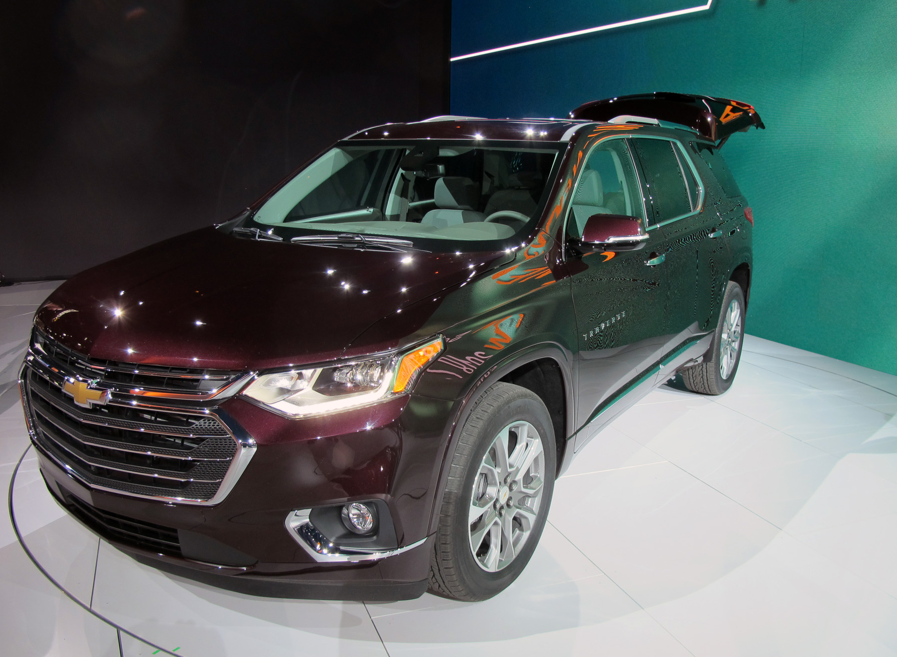 New vehicle reveal Chev Traverse 2018