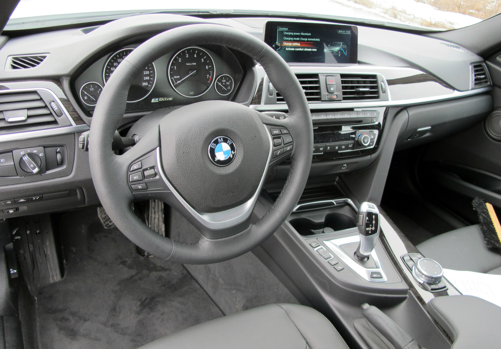 2017 BMW 330e