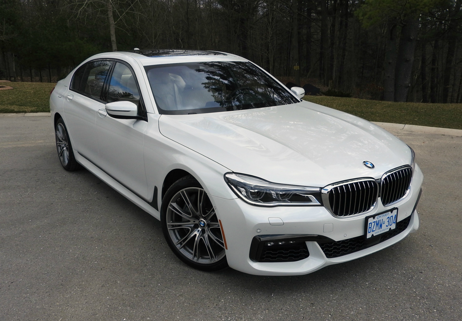 technology drives bmw s flagship 7 series sedan. Black Bedroom Furniture Sets. Home Design Ideas