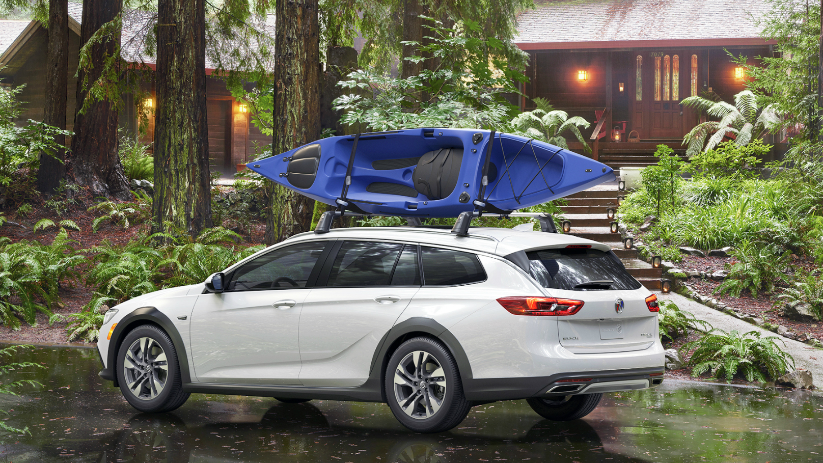 Buick Regal goes AWD with 2018 TourX – WHEELS.ca