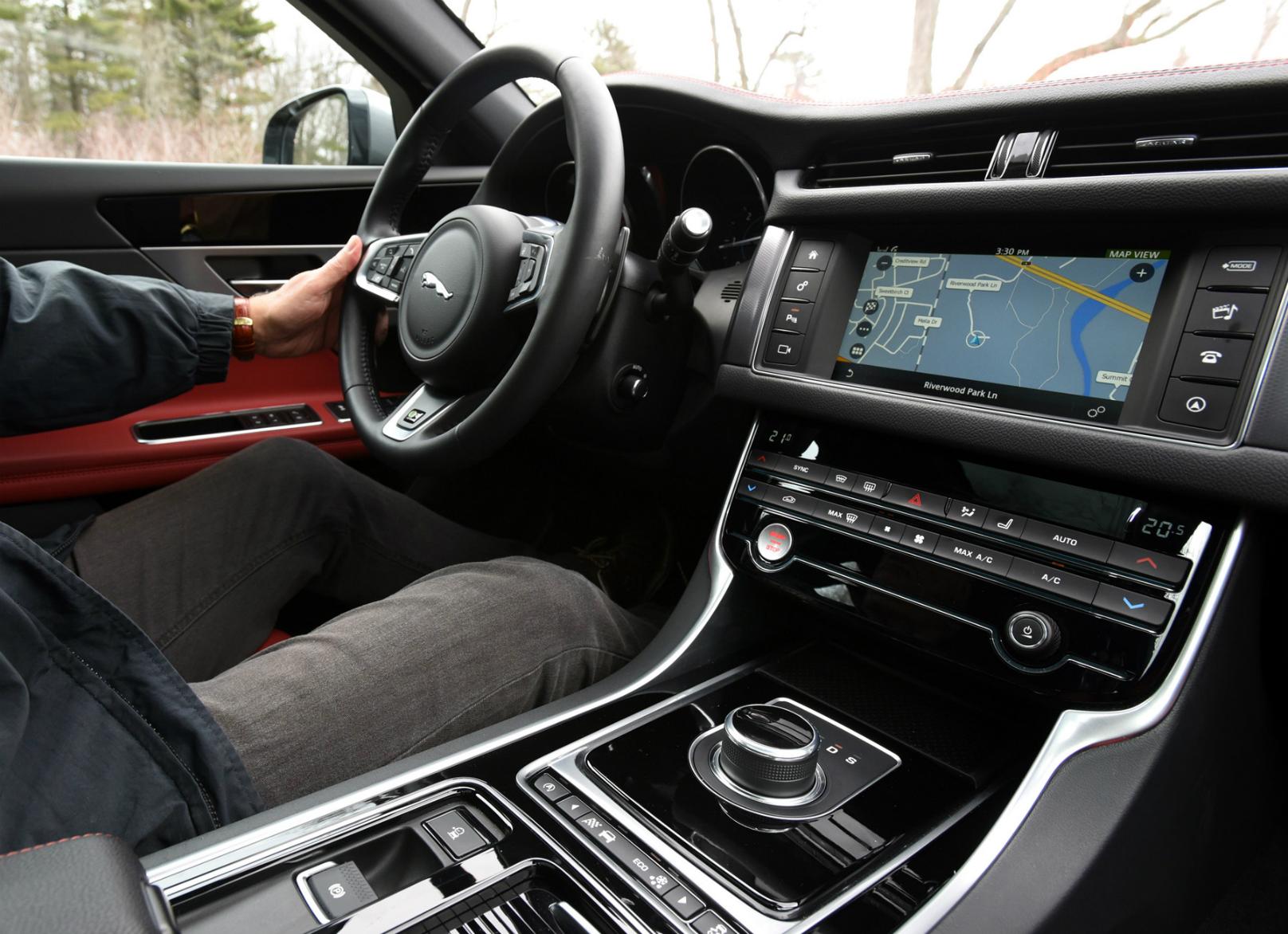 2017 Jaguar XF Diesel Review