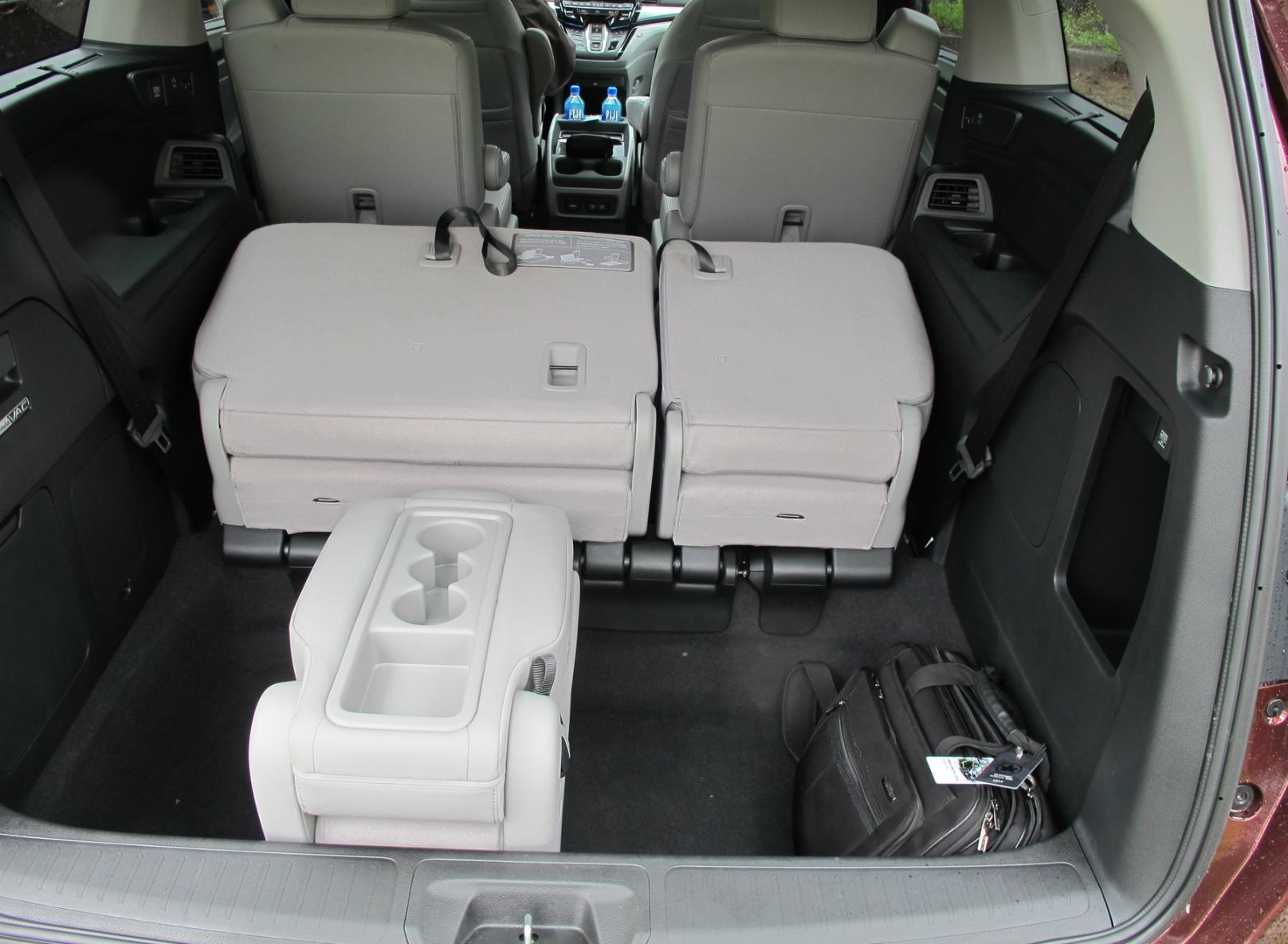 Honda enhances segment leading odyssey minivan for All wheel drive honda odyssey