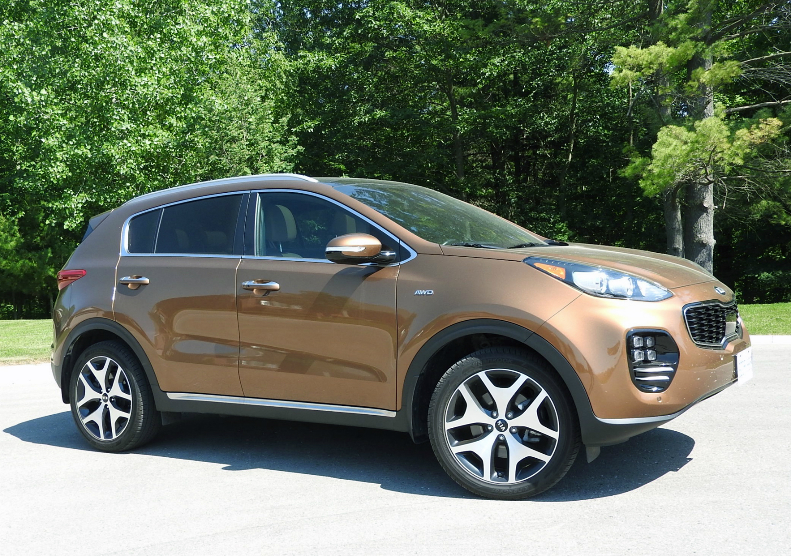 2 Kias For The Price Of One >> Sportage Bigger and Better for 2017 – WHEELS.ca
