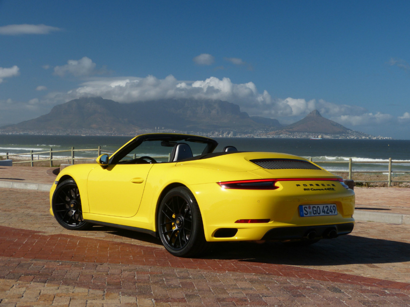 porsche 911 gts is a year round supercar. Black Bedroom Furniture Sets. Home Design Ideas