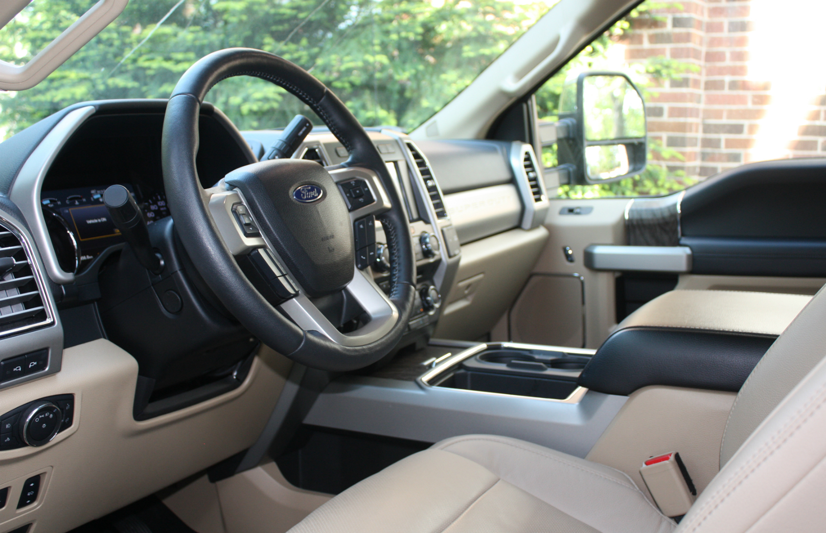 Ford F-350 Super Duty Lariat Review
