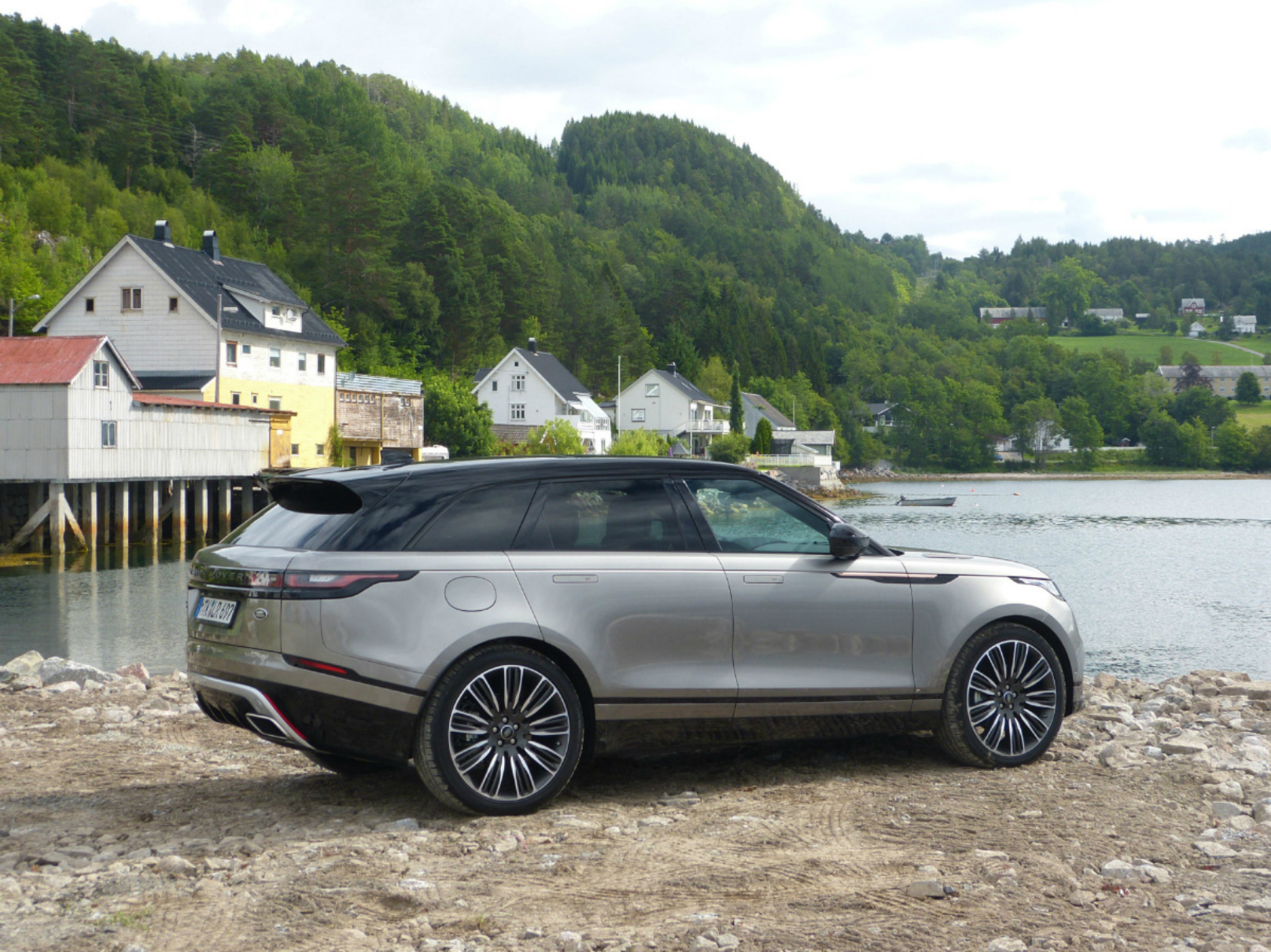 Range Rover Velar is Poised to Lead the Pack – WHEELS.ca