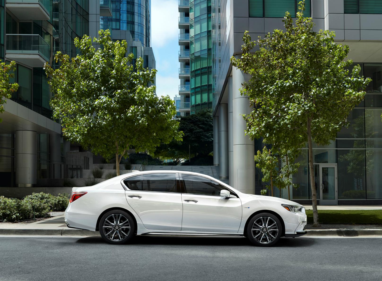 2018 Acura RLX Sport Hybrid SH-AWD