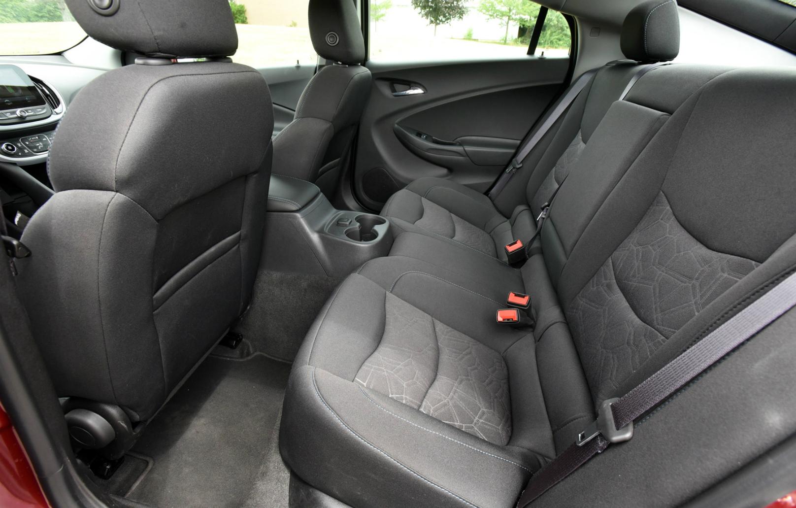 2017 Chevrolet Volt LTReview