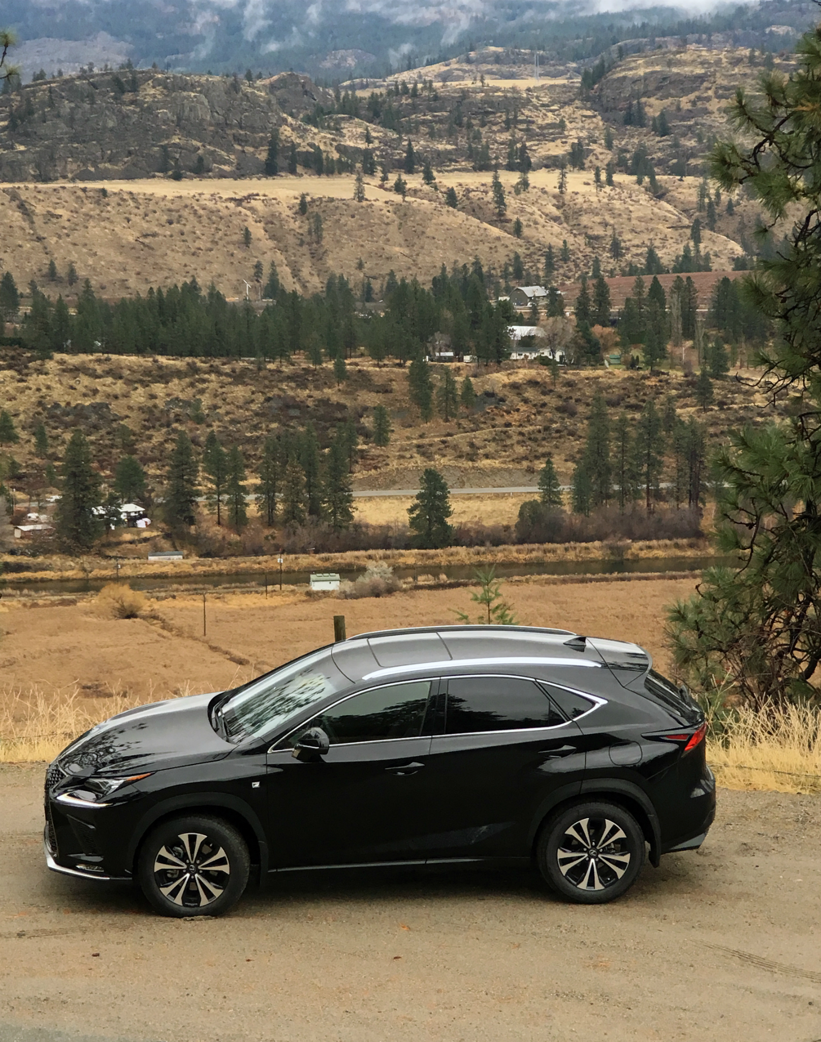 lexus nx becomes more refined for 2018. Black Bedroom Furniture Sets. Home Design Ideas