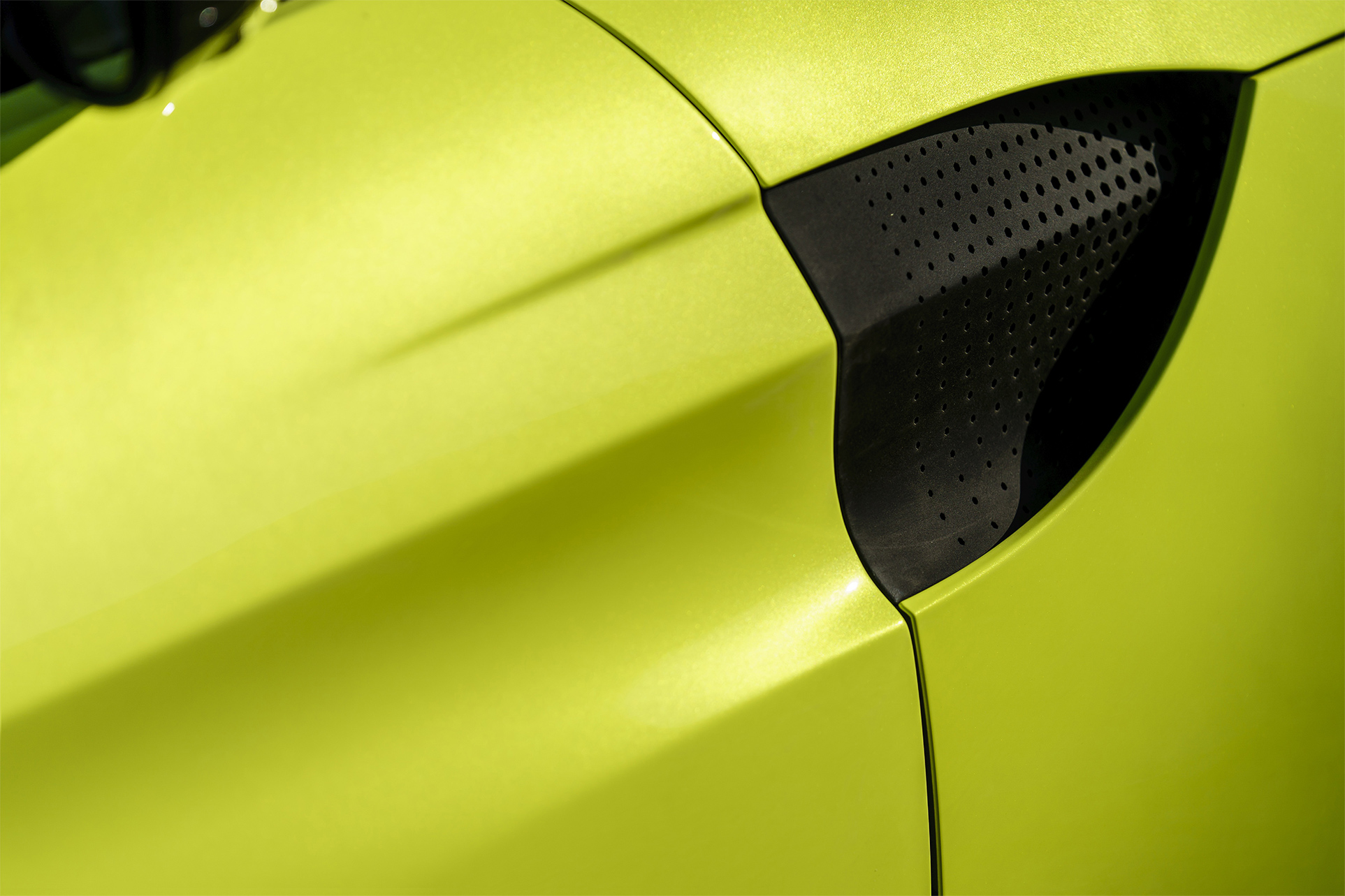 TrackWorthy - Aston Martin Vantage_Lime Essence_15