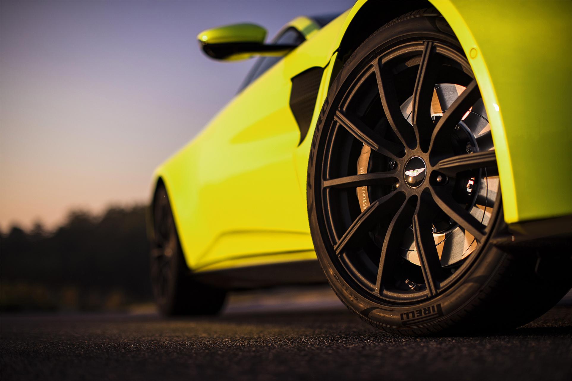 TrackWorthy - Aston Martin Vantage_Lime Essence_21