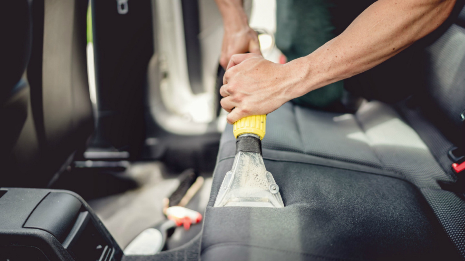 Auto Detailing Vacuuming