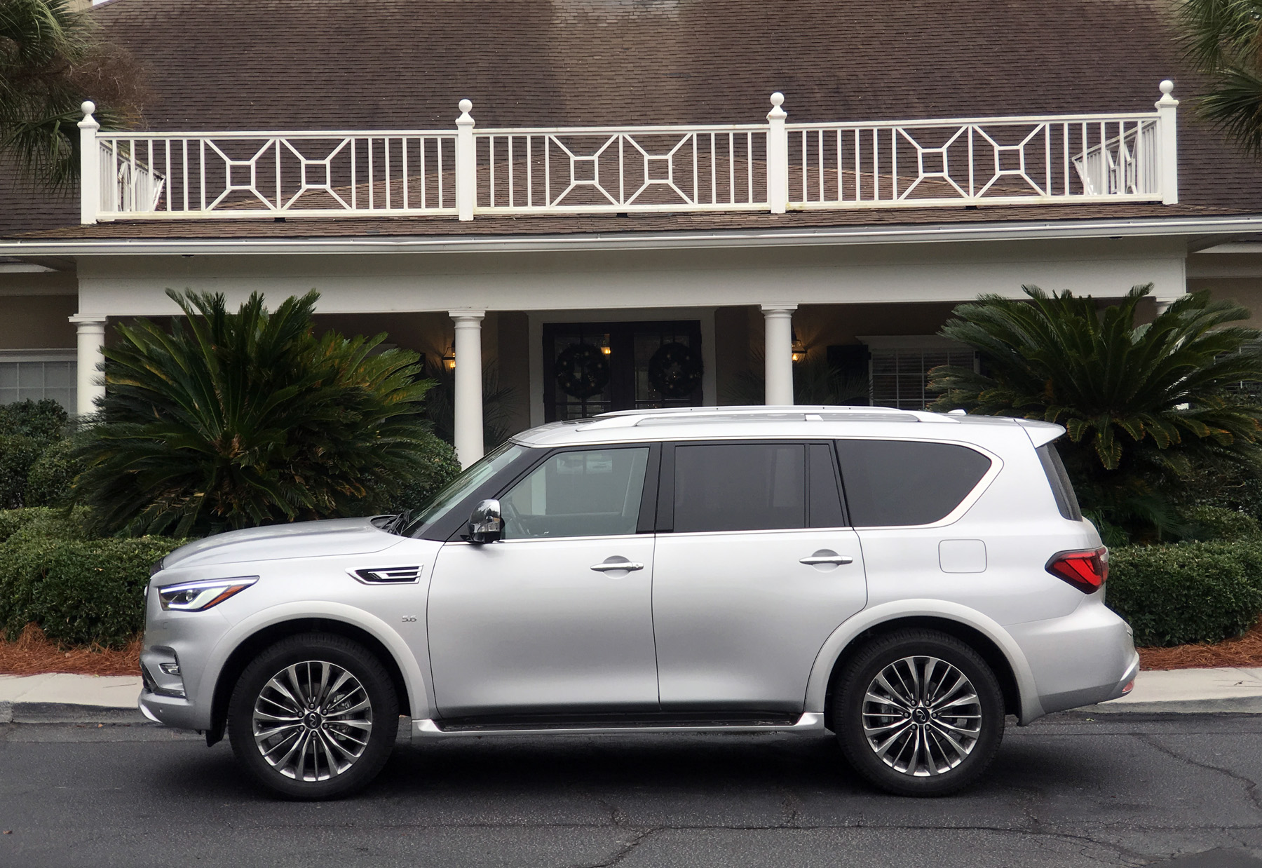 suvs search coupes find infiniti inventory sedans