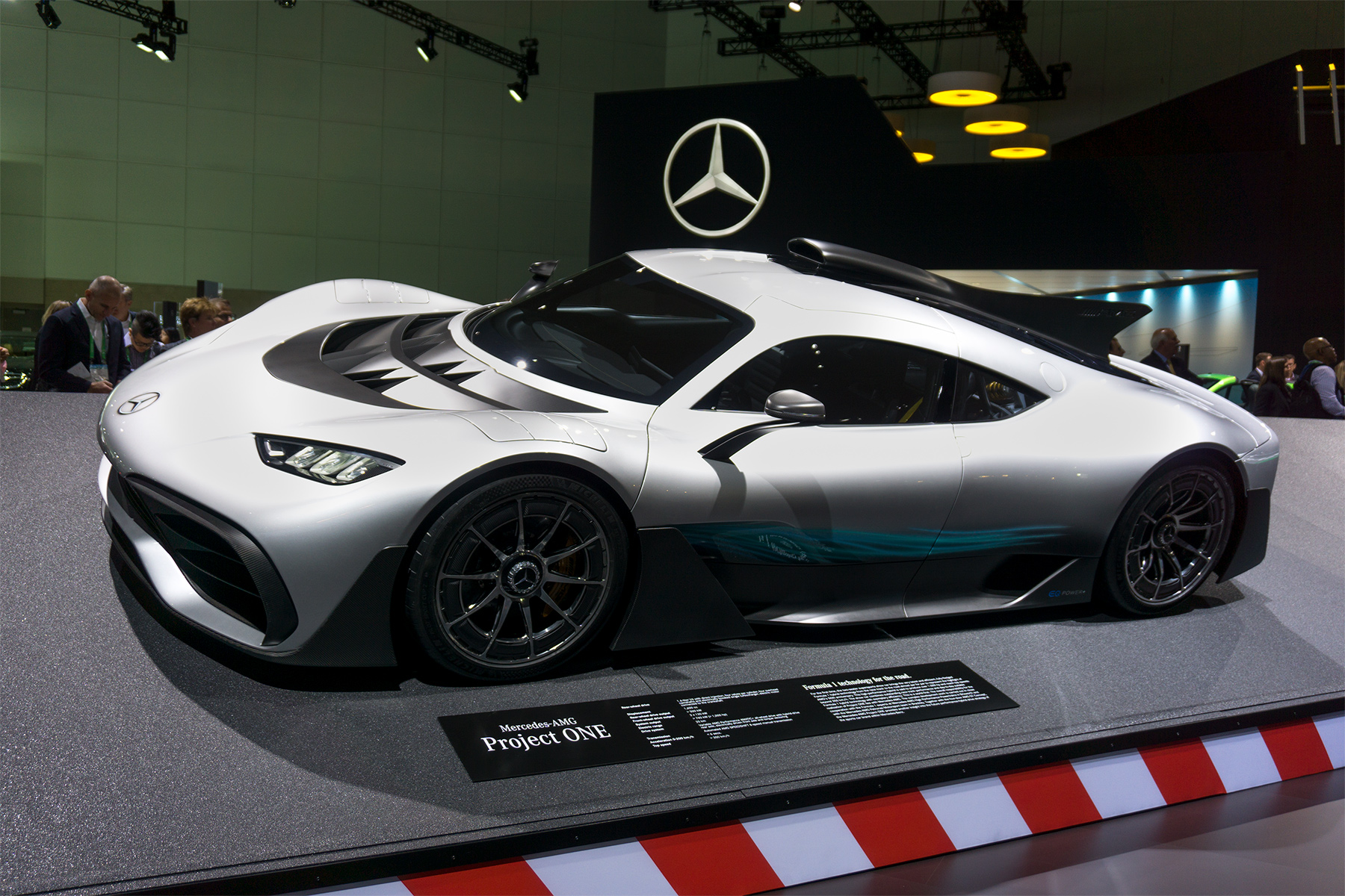 mercedes amg project one a formula that thrills. Black Bedroom Furniture Sets. Home Design Ideas