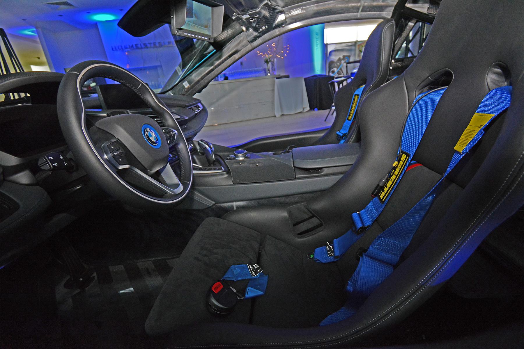 BMW i8 Qualcomm Safety Car (2)