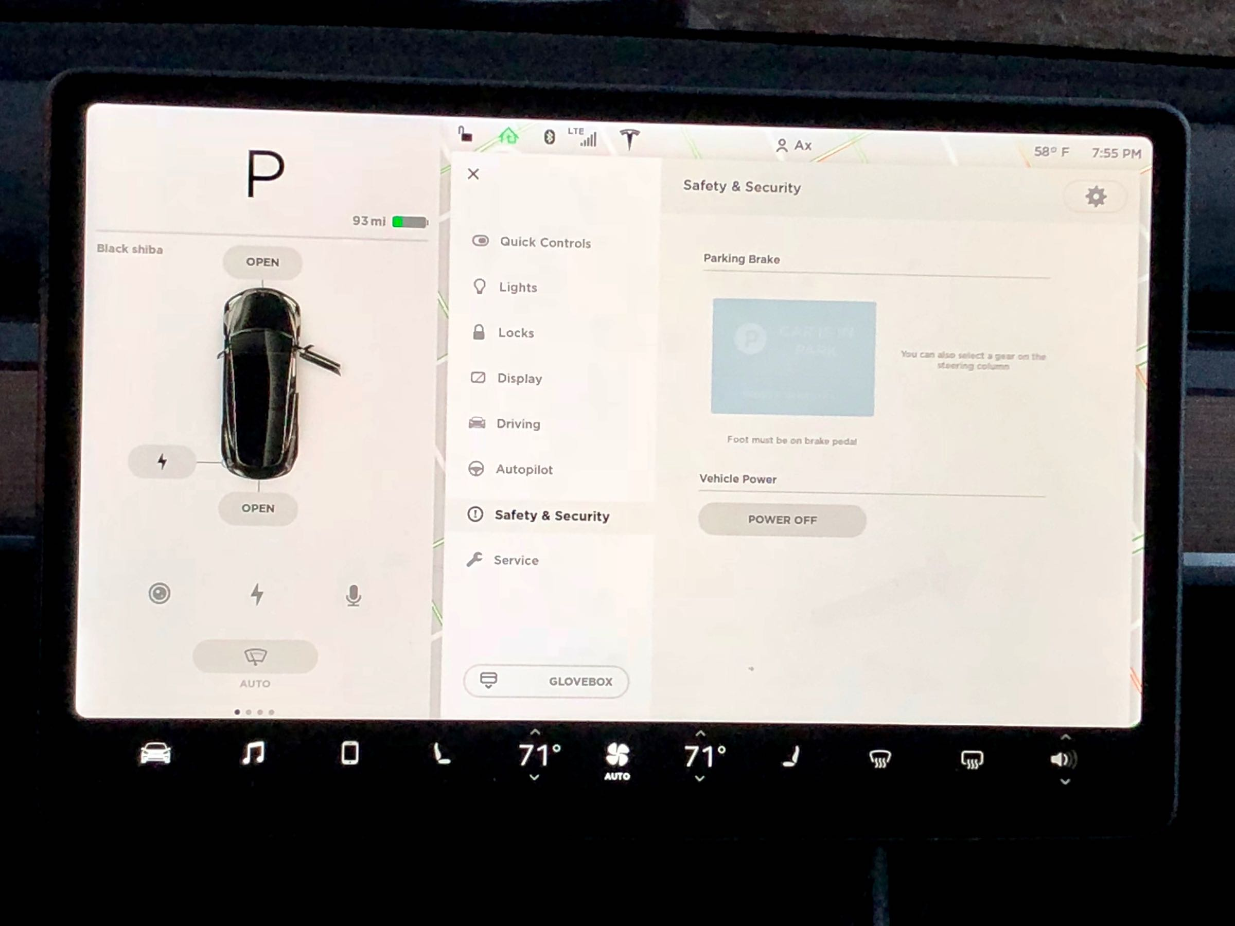 model 3 infotainment screen