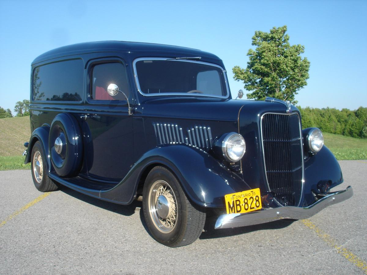 Eye Candy: 1935 Ford Panel Truck