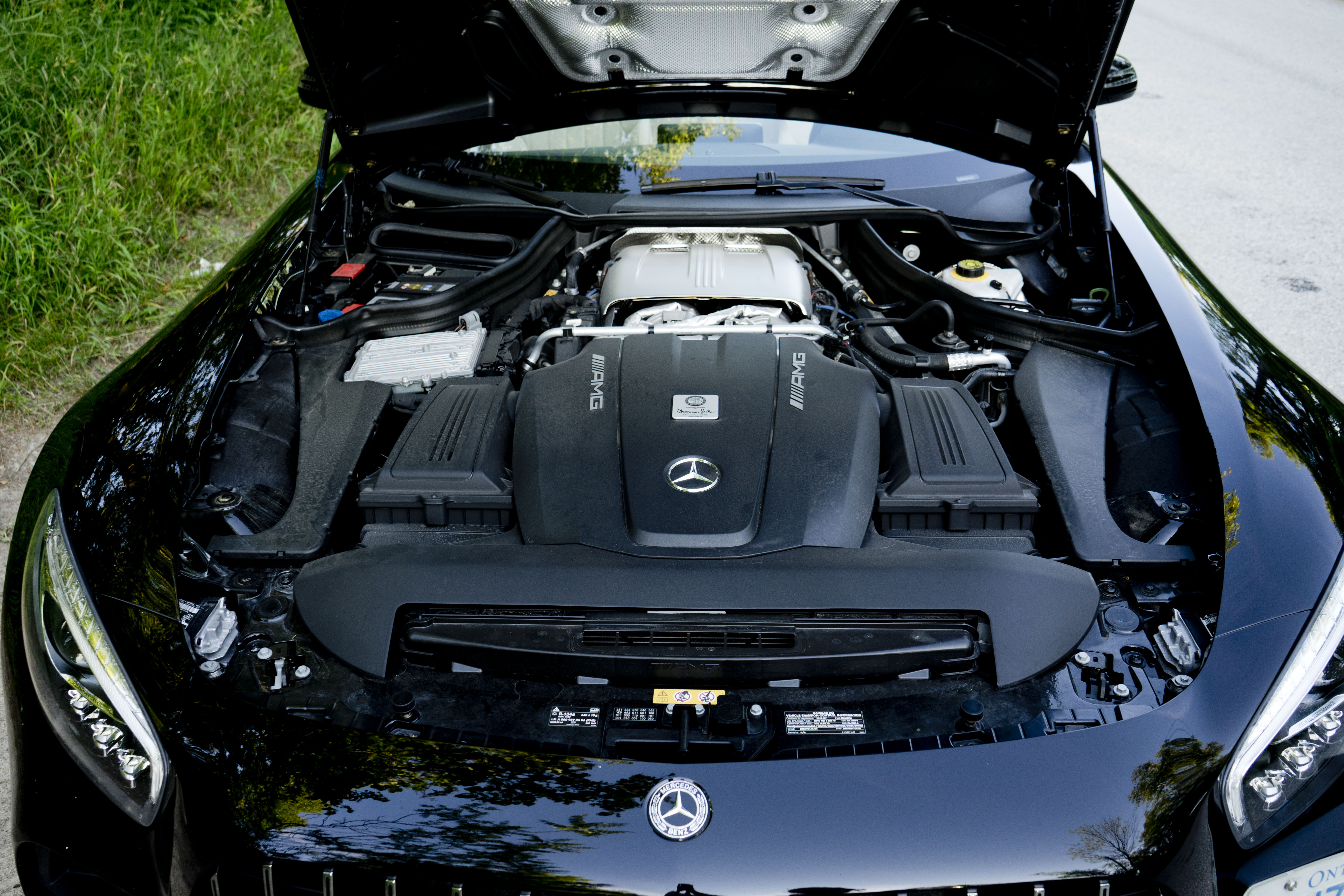 2018 Mercedes-AMG GT C Roadster engine