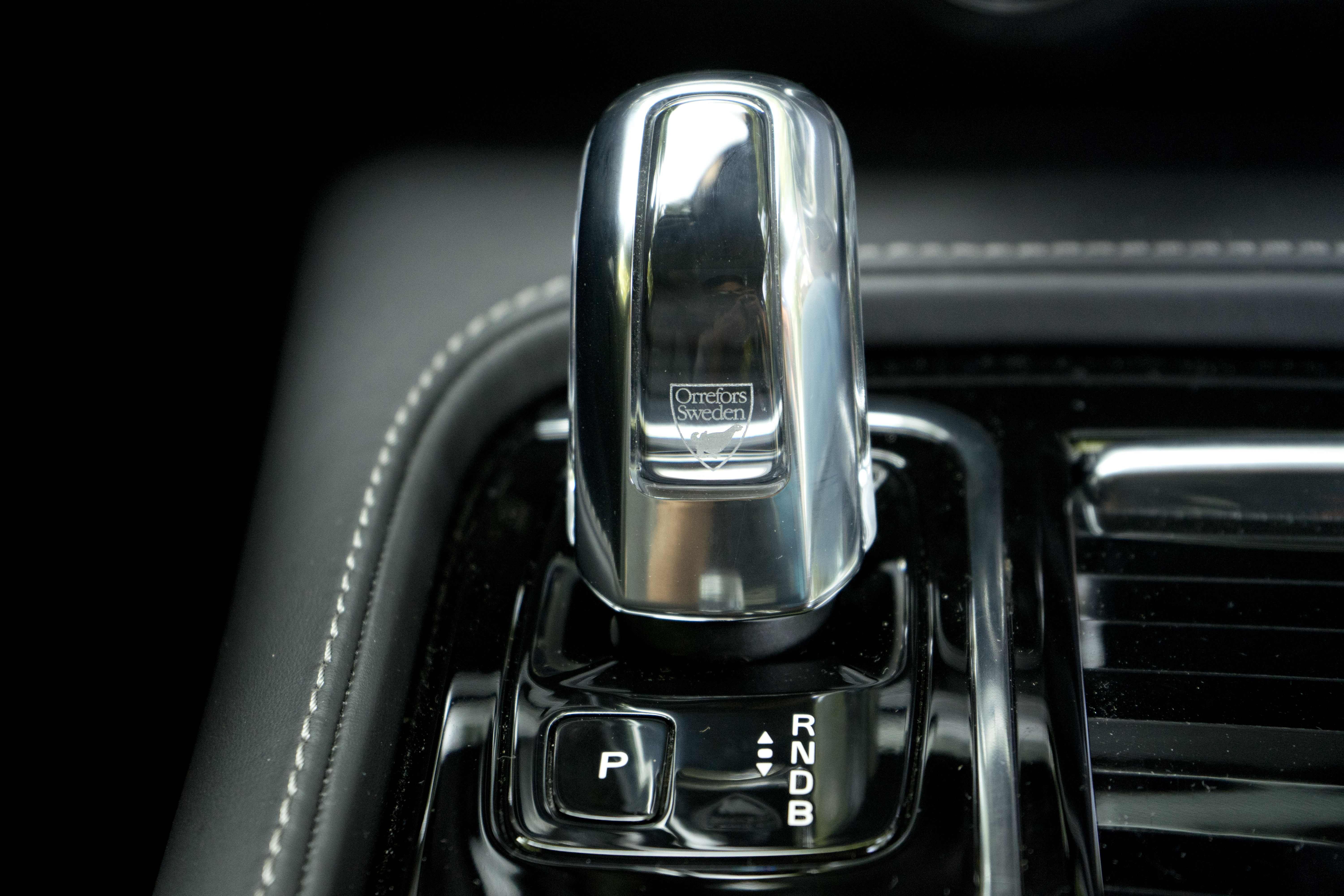 2018 Volvo S90 T8 interior orrefors shifter