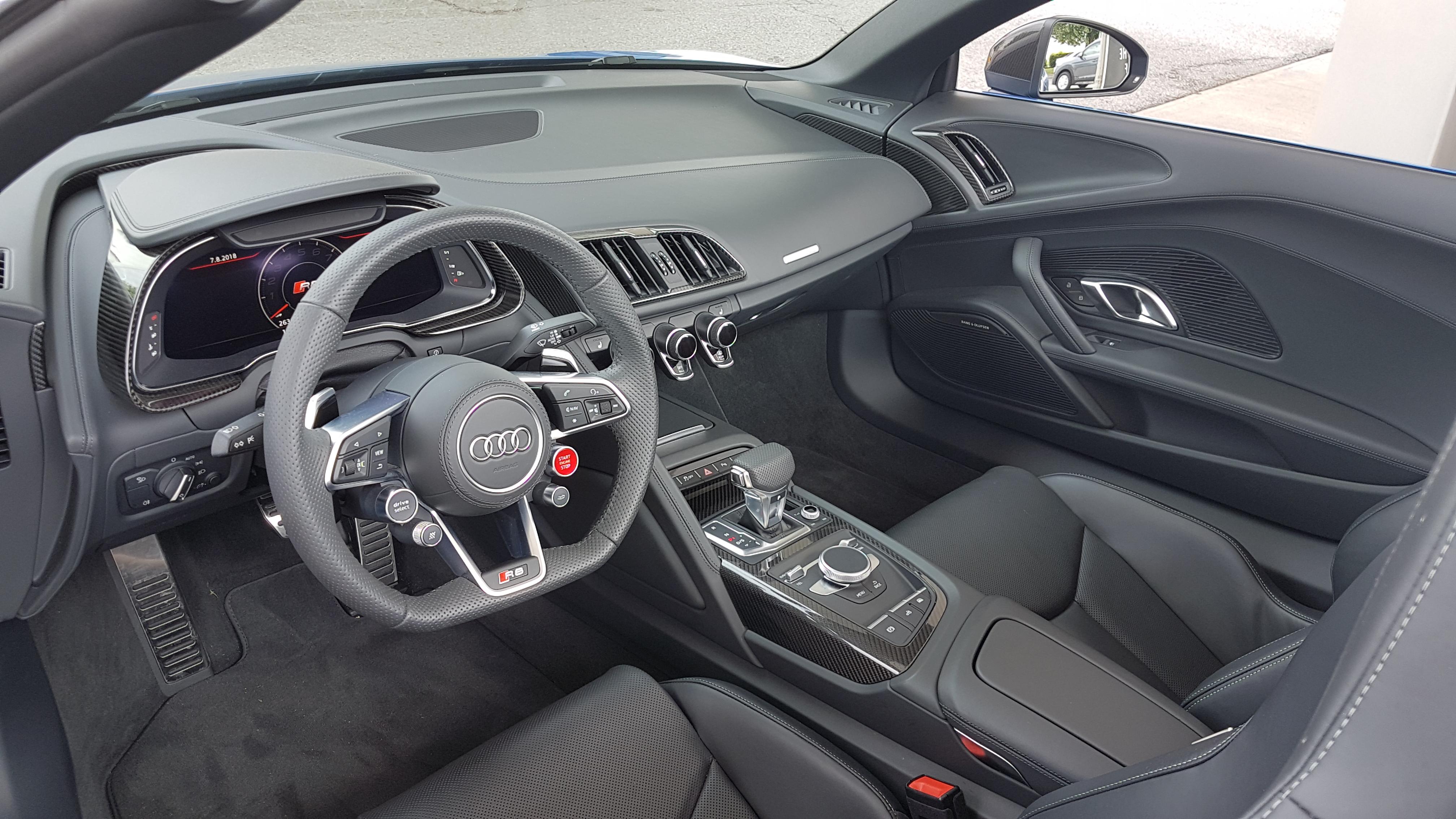 Review 2018 Audi R8 Spyder V10 Plus