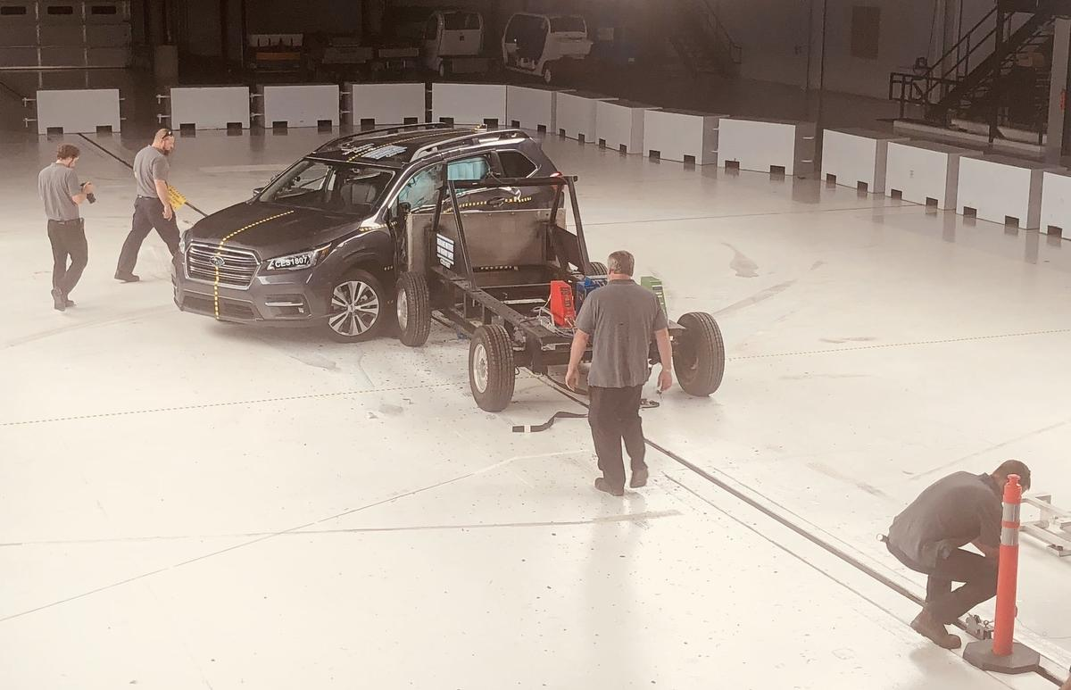 2019 Subaru Ascent SUV crash test