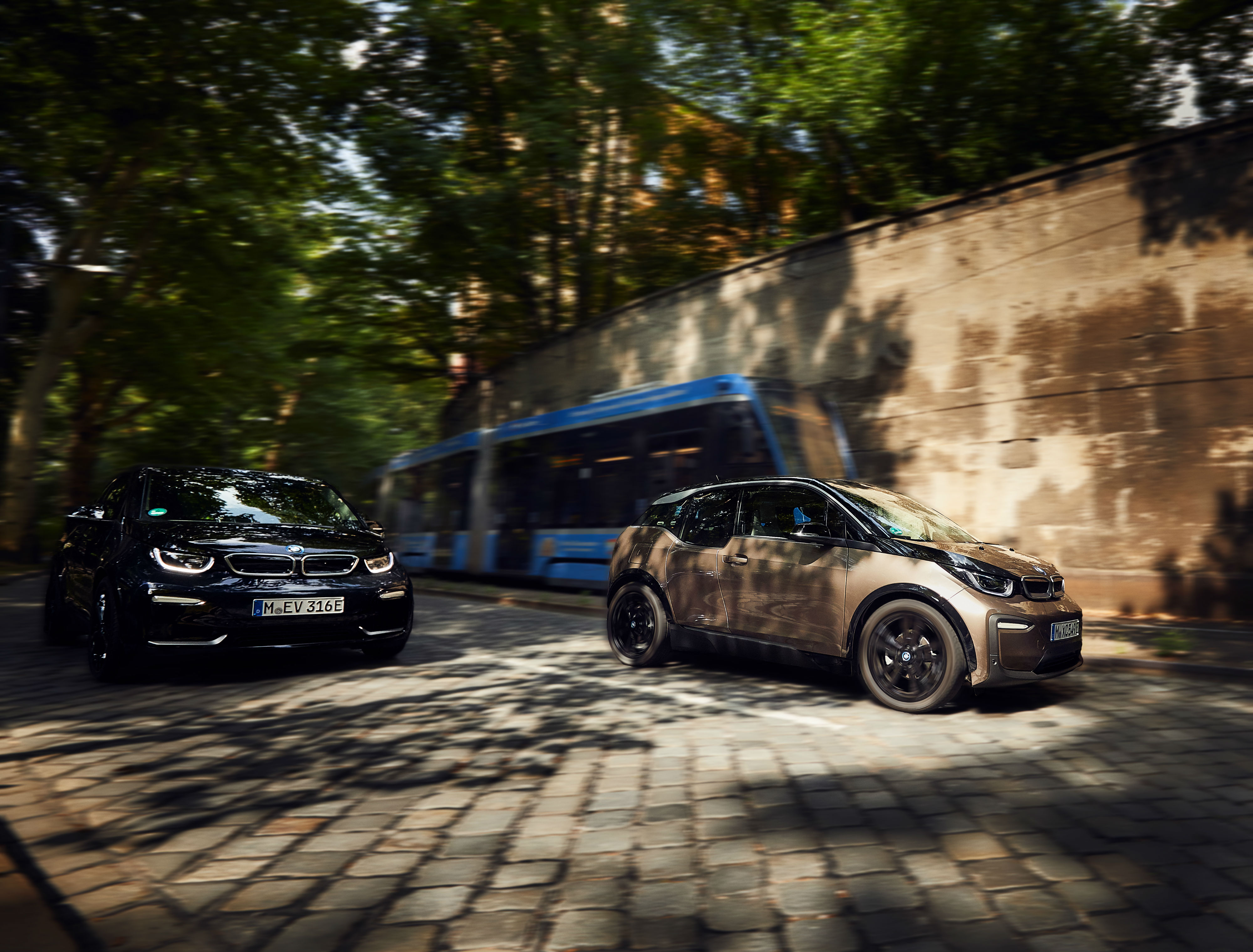 BMW Pumps up the Power with 129Ah Battery – WHEELS ca