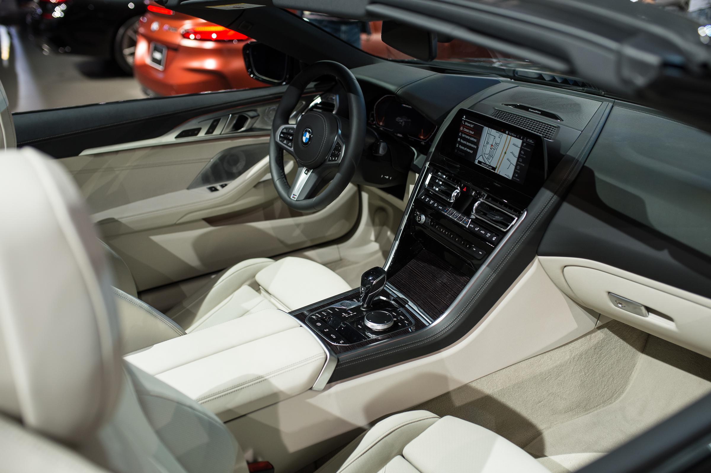 BMW M850i cabriolet interior