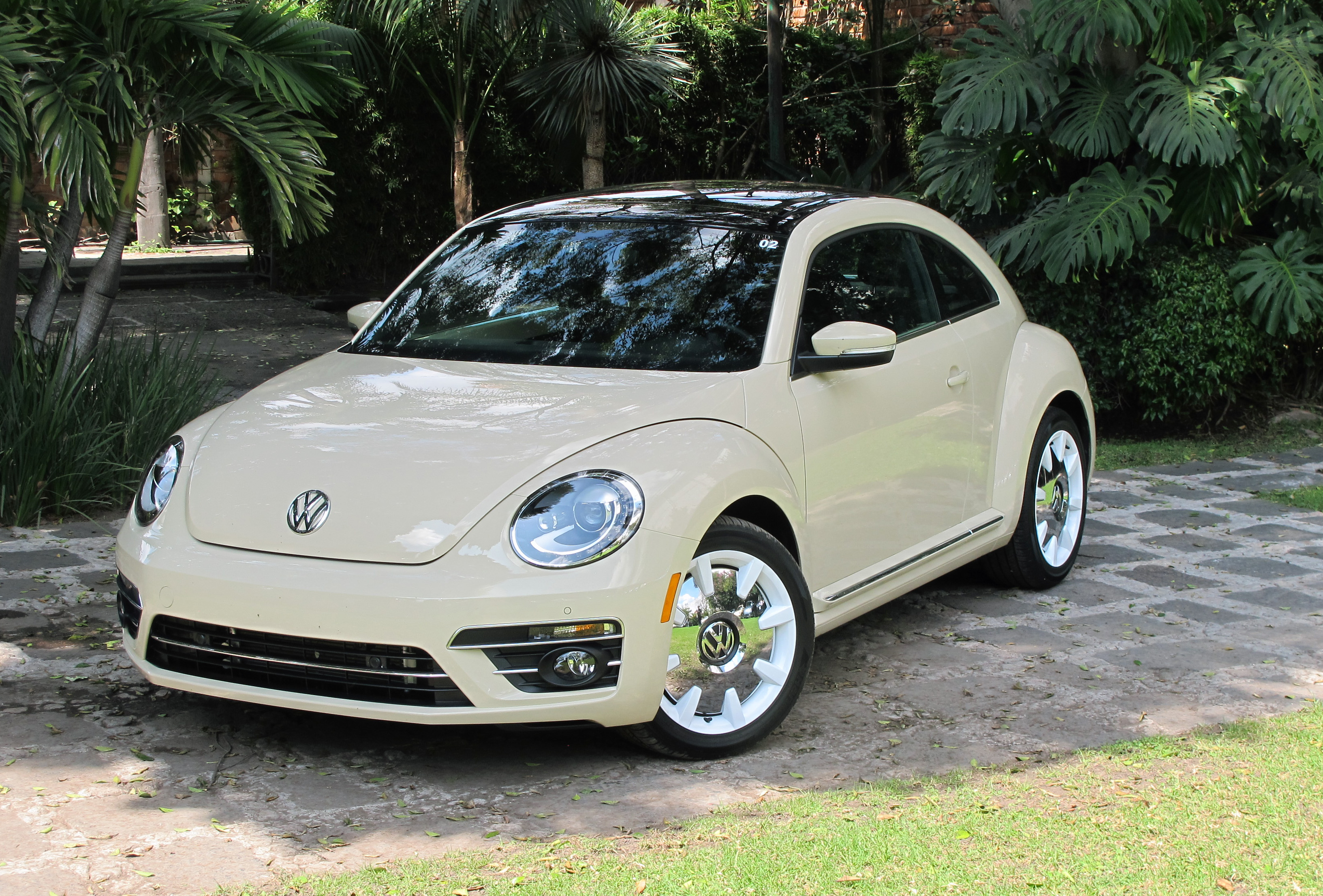 Review 2019 Volkswagen Beetle Wolfsburg Edition