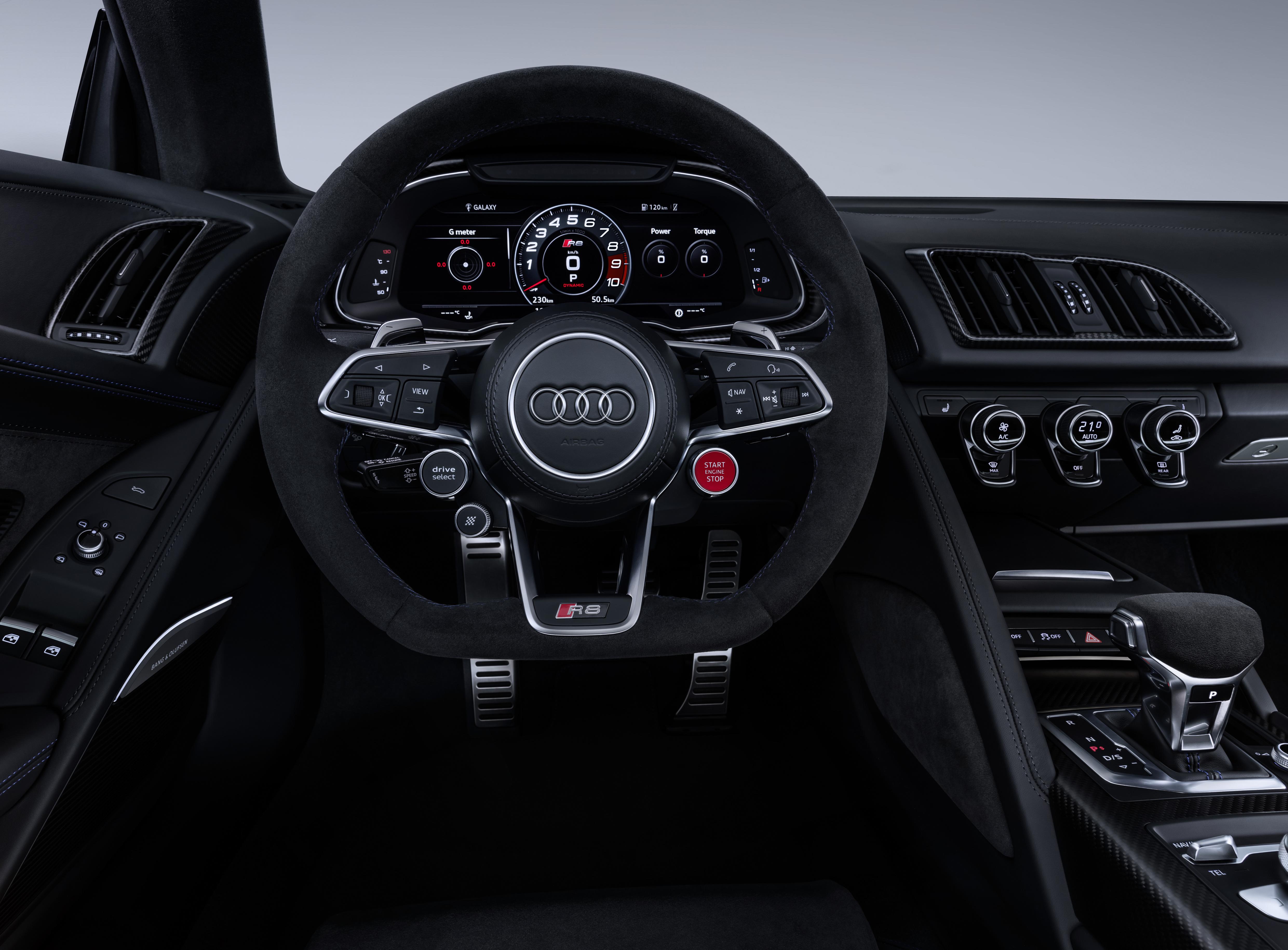 Review 2020 Audi R8 Coupé / Roadster