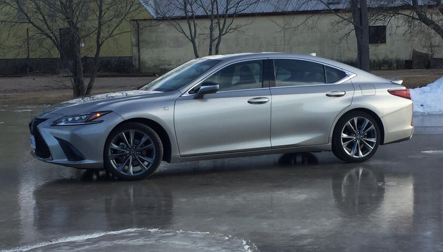 Review 2019 Lexus ES 350 F Sport