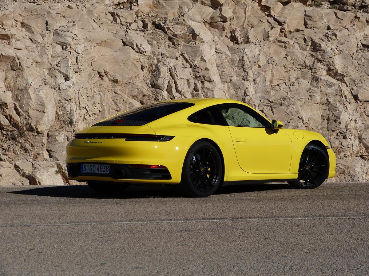 Preview 2020 Porsche 911 Carrera