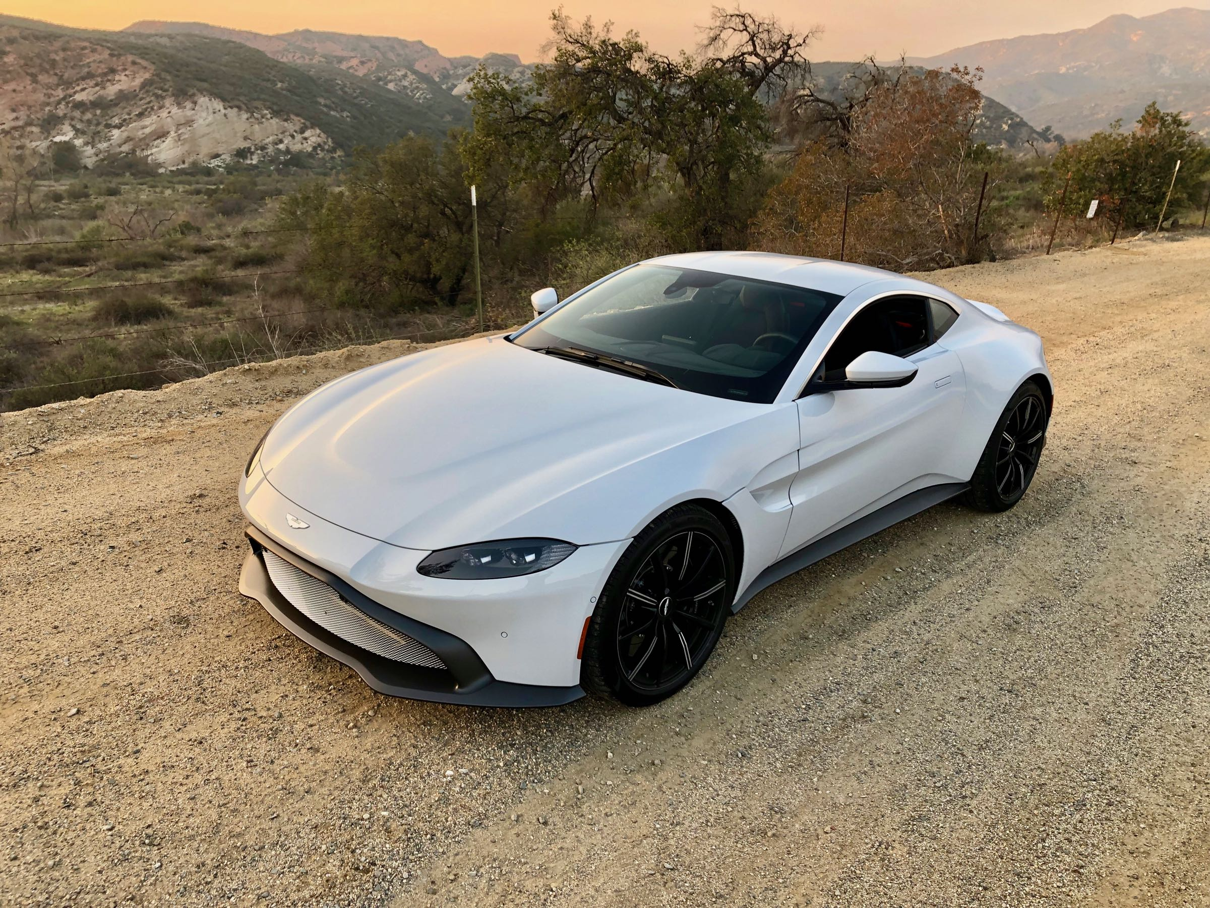 Review 2019 Aston Martin Vantage